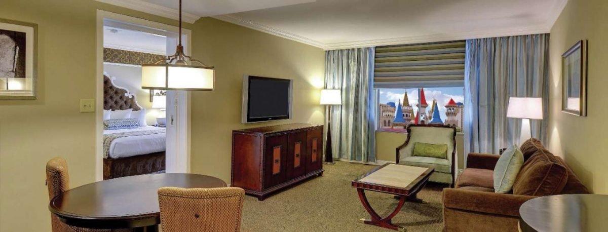 Excalibur Las Vegas Resort Luxury Suite