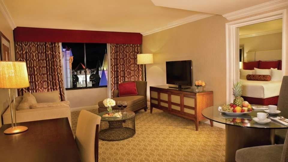 Excalibur Las Vegas Royal Luxury Suite