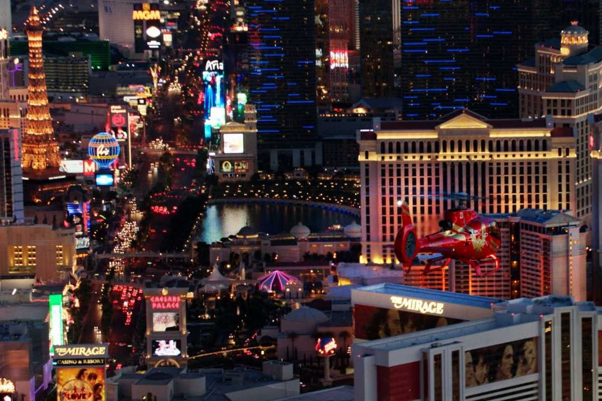 Vegas Strip Highlights With Limo Transfer Helicopter Tour