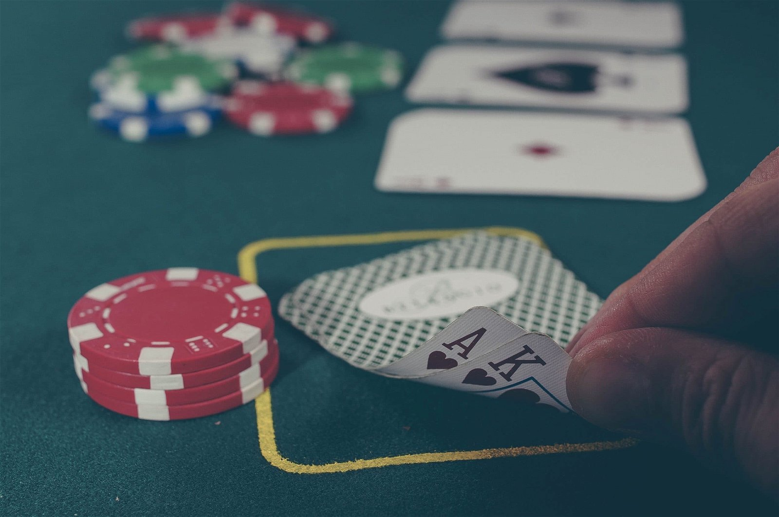 don't overspend on gambling during your las vegas vacation