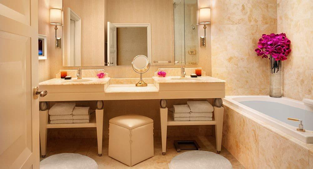 Wynn Las Vegas Deluxe Resort Room Bathroom