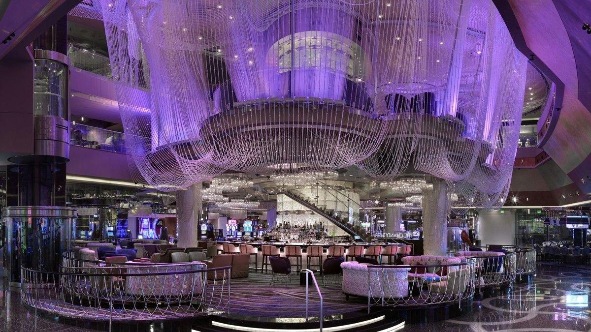 Chandelier Bar Cosmopolitan Las Vegas