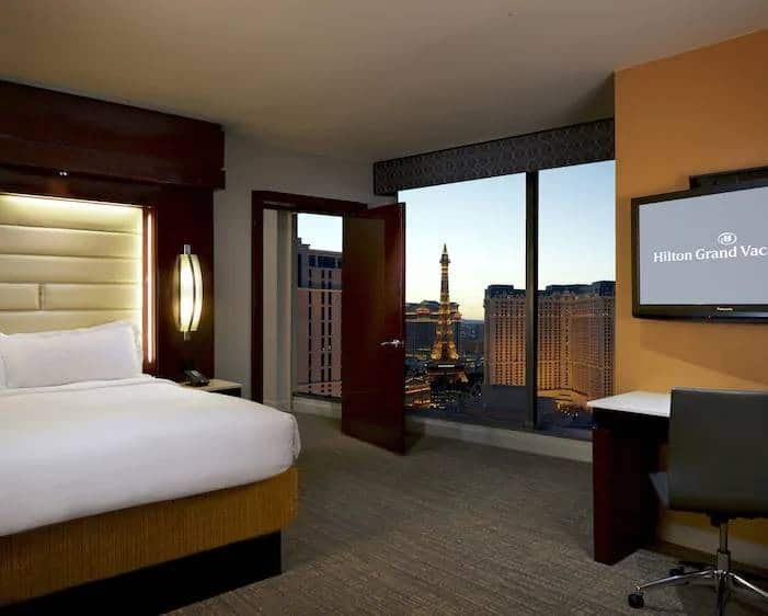 Elara Las Vegas Junior 1 King Suite