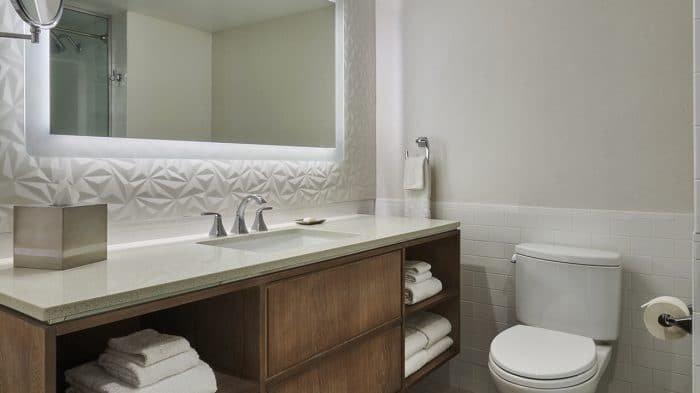 Flamingo Las Vegas Junior Suite Bathroom