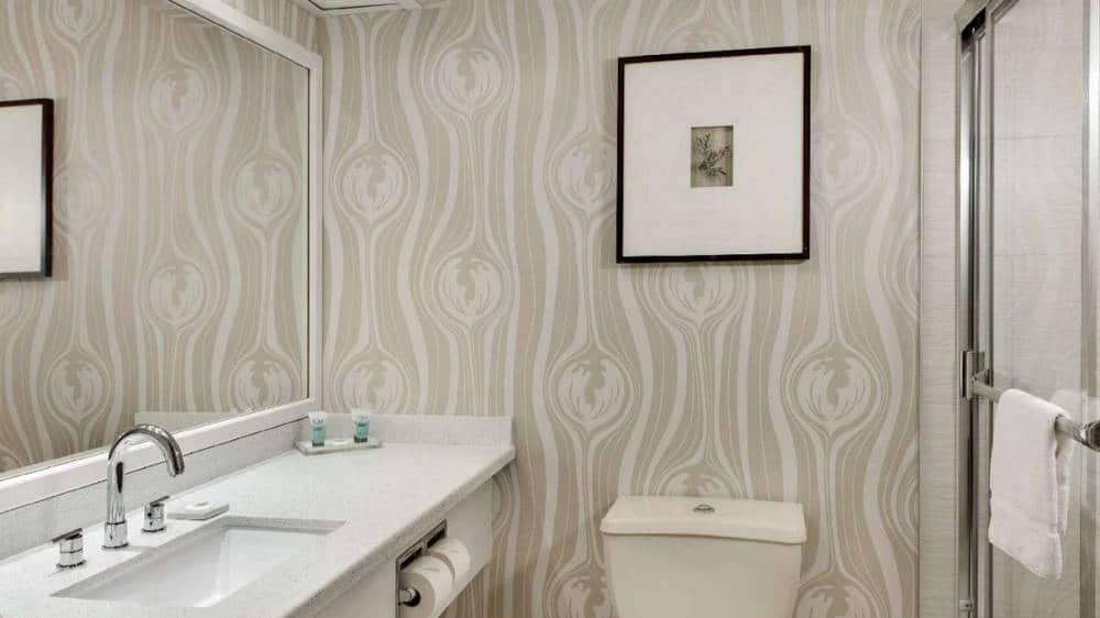 Luxor Las Vegas Pyramid Premium Room Bathroom