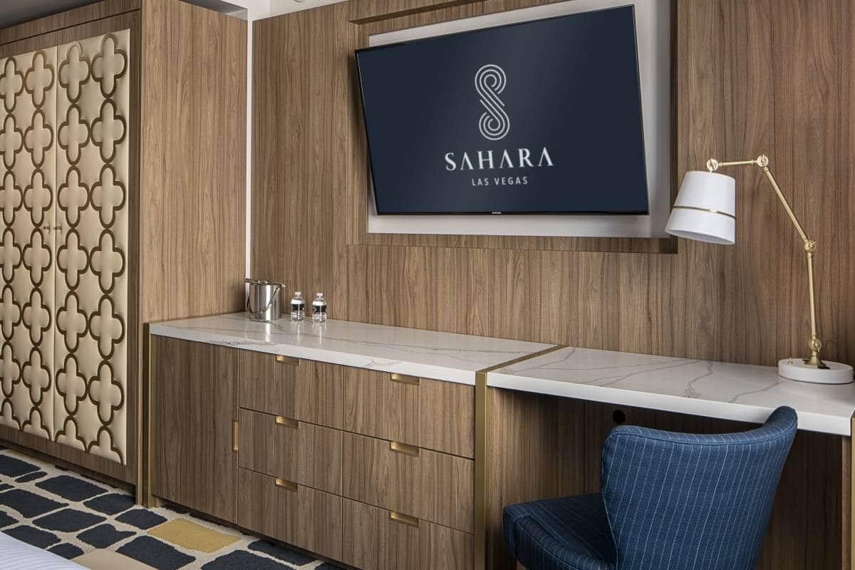 Sahara Las Vegas Blanca King Desk