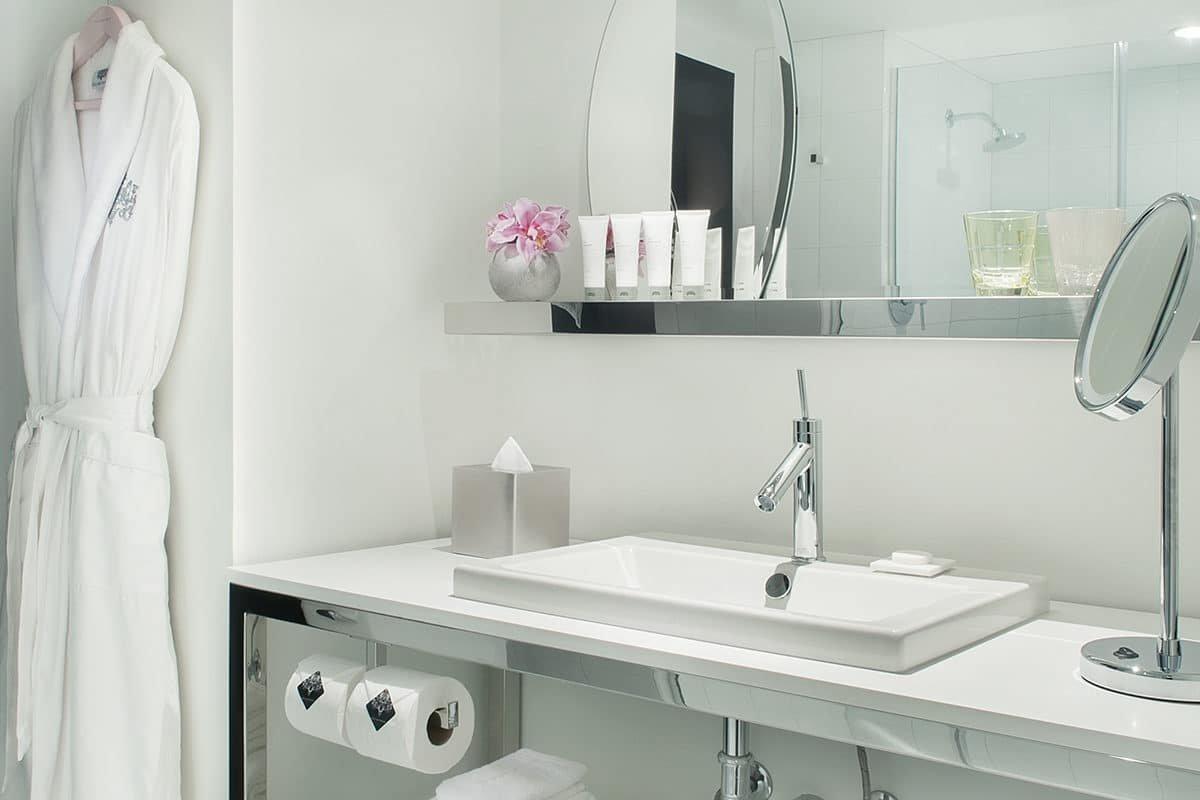 Sahara Las Vegas Marra One Bedroom Suite Bathroom