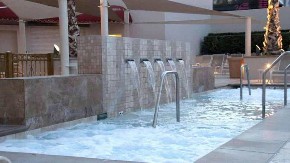 The Signature Las Vegas Pool Jacuzzi