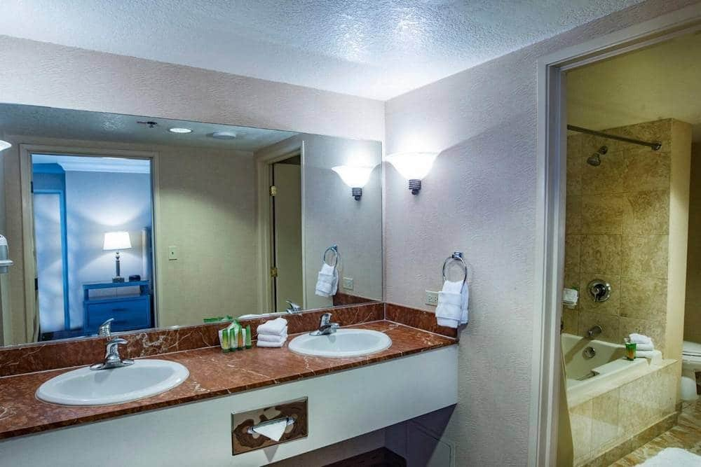 The Strat Las Vegas Classic Grand Suite Bathroom