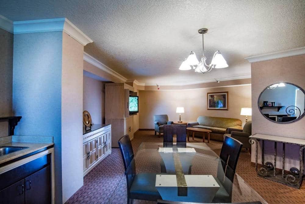The Strat Las Vegas Classic Grand Suite