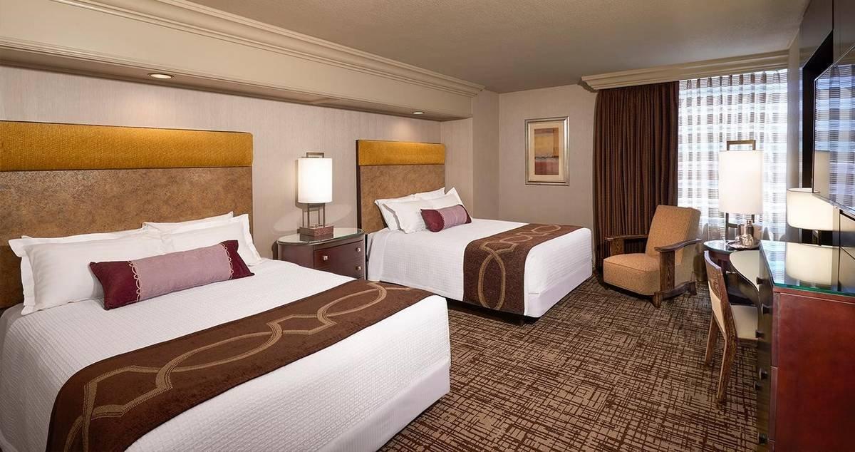 Treasure Island Las Vegas Deluxe Room 2 Queens