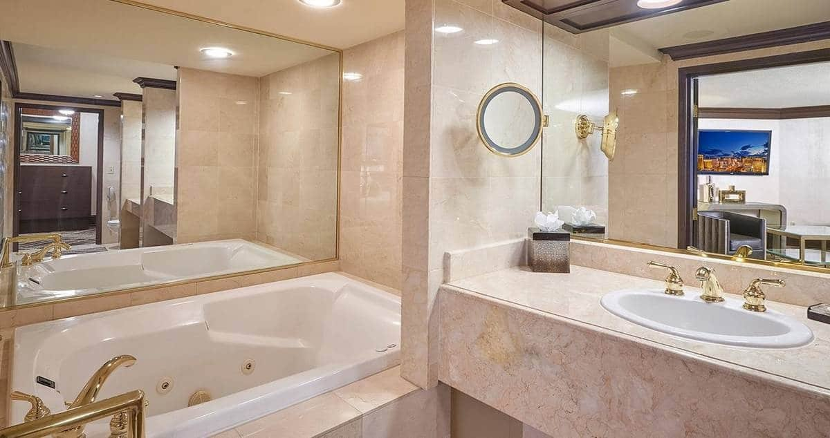 Treasure Island Las Vegas Premier Suite Bathroom