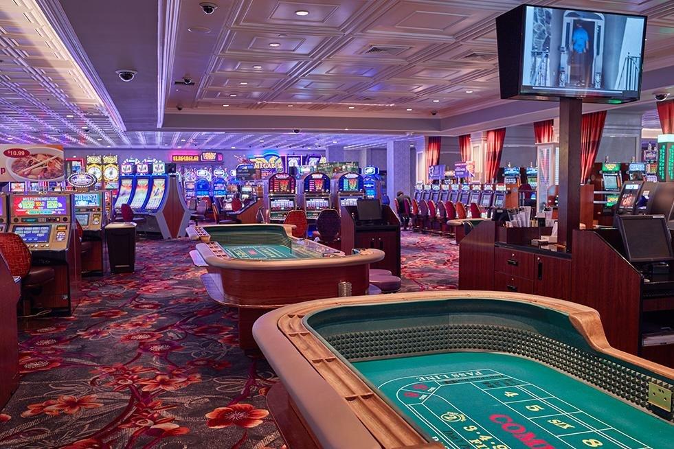 California Las Vegas Craps Tables