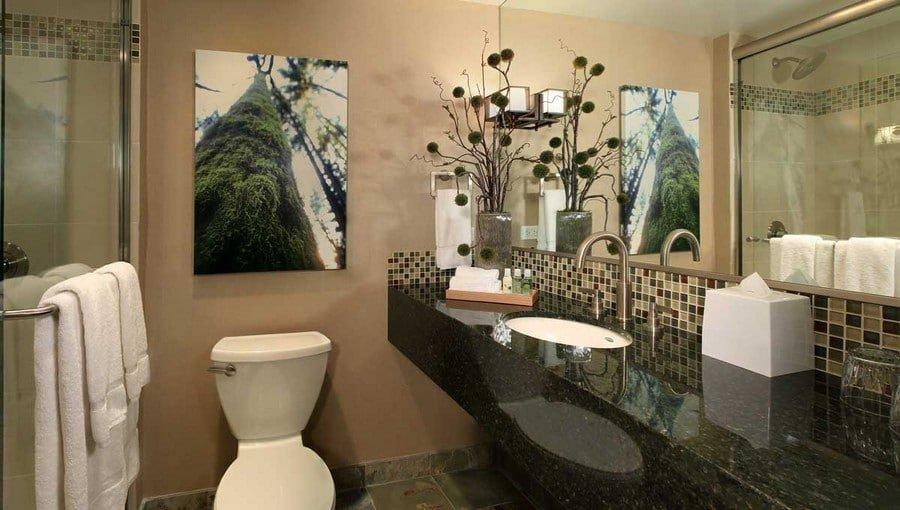 Silverton Hotel Las Vegas Luxury King Room Bathroom